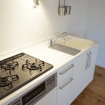 【イメージ】キッチンは三口ガスコンロ!