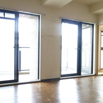 工事前】窓が多いので採光も風通しもGOOD!