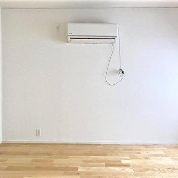 寝室】エアコンも付いてますよ!やっぱ欠かせませんよね!