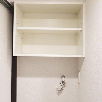 上の棚もしっかり使いましょ◎(※写真は5階の同間取り別部屋、清掃前のものです)