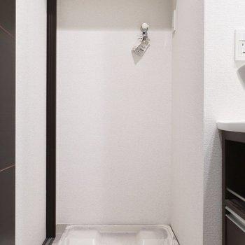 洗濯パンは脱衣所に(※写真は5階の同間取り別部屋、清掃前のものです)