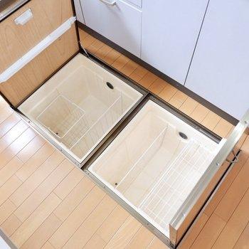 【LDK】床下収納も完備。仕分けもできて便利です。