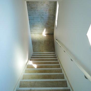 階段もなかなかお洒落