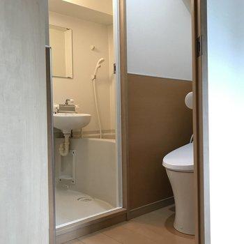 脱衣所兼トイレ。