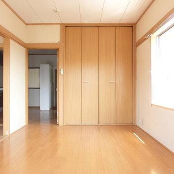巾木の雰囲気。落ち着いたモダン※写真は4階の同間取り別部屋のものです。