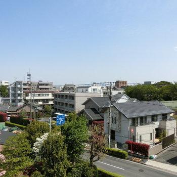 共用部からの眺め※写真は4階からの眺望のものです。
