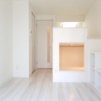 デザイン性溢れる居室ですよ〜!