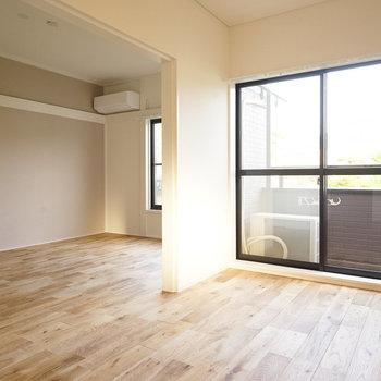 緩く仕切って使えます◎※写真は同間取り2階、別部屋のものです。床材は別のものになります。