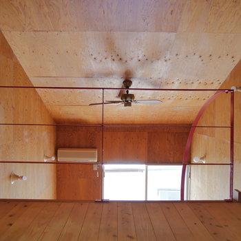 天井高は3mあります!※写真は2階の同間取り別部屋のものです
