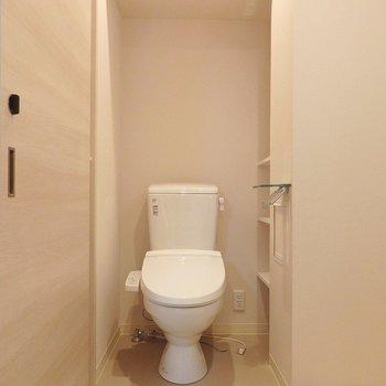 トイレはウォシュレット。アメセパです。