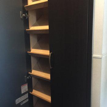 靴もたくさん入ります※写真は1階の同間取り別部屋のものです。