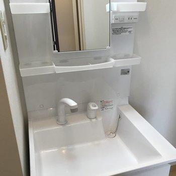 使いやすそうな洗面台〜※写真は同間取り別部屋です