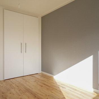 寝室もこの日当たり!※同間取り別部屋の写真です