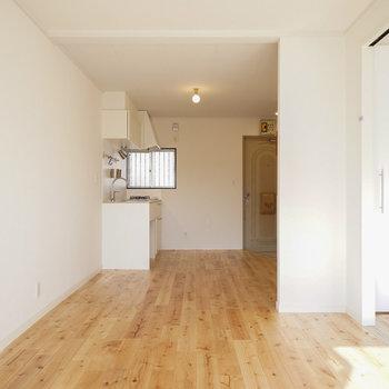 広い空間、贅沢に活用できますね♪※同間取り別部屋の写真です