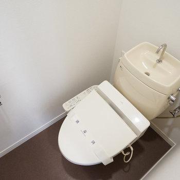 トイレはウォシュレットつき!※同間取り別部屋の写真です
