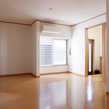 1階のため優しい光が入ります。