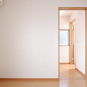 【洋室4.5帖】エアコンも付いていますよ。
