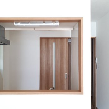 ほら、木枠に囲まれたキャンバスみたいでしょ?※写真は1階の同間取り別部屋のものです