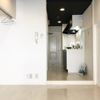 居室と廊下にワンステップ