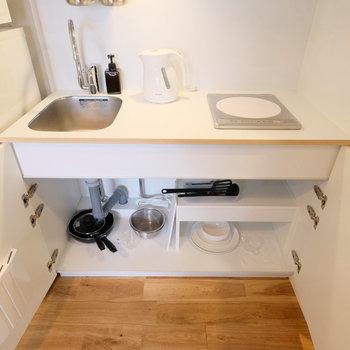 調理器具や食器もついてますよ〜