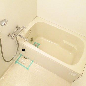 浴室乾燥機付きですよ〜※写真は3階の同間取り別部屋のものです