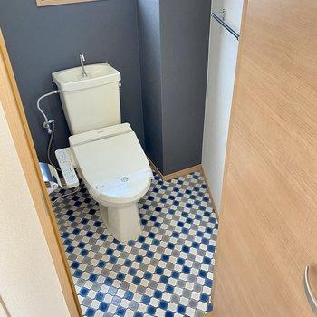 横にはトイレ。かわいくなりました!