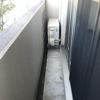1階のバルコニーは超細長いです。(※写真は2階の同間取り別部屋のものです)