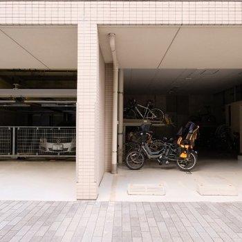 駐車場、駐輪場も屋根付き※要空き確認