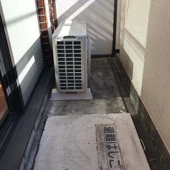 洗濯物を干す時は、避難はしごに気をつけて