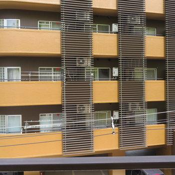 眺望は他の建物ですね