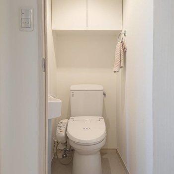 タオルホルダーに収納も※写真の家具はサンプルとなります