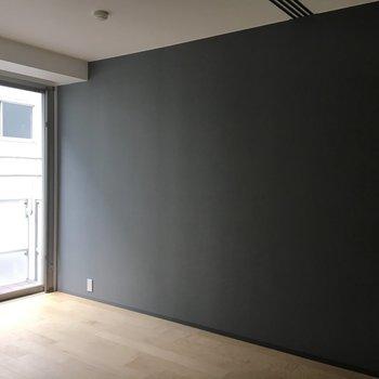 クロスの色がお部屋の雰囲気をキリリと締めてくれます。※写真は前回募集時のものです