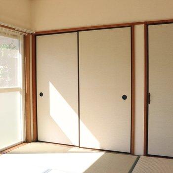 【和室】襖も白なのでお部屋中が明るい