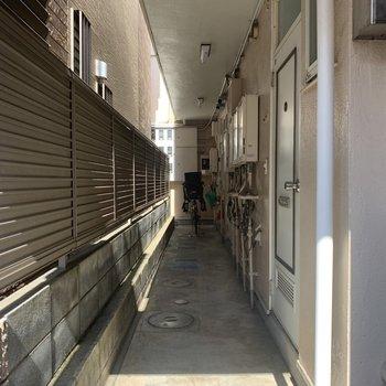 まっすぐな廊下