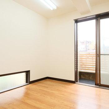 【工事前】こちらは寝室です