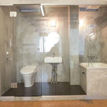 そして奥には、3点同室。左からトイレ、洗面台、バスです。※写真は前回募集時のものです