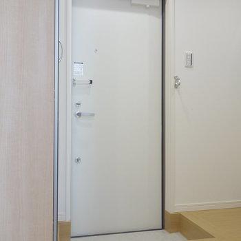 ゆとりある玄関。