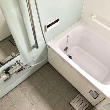 お風呂は嬉しい追い炊き機能付き◎※写真は通電前のものです
