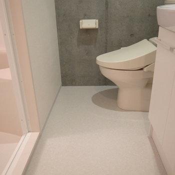 こちら洗面脱衣所。※写真は2階の反転間取り別部屋です。