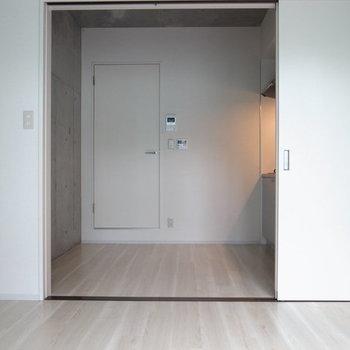 仕切って冷暖房効率を上げましょう。※写真は2階の反転間取り別部屋です。