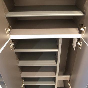 靴箱収納もしっかりありました。※写真は2階の反転間取り別部屋です。