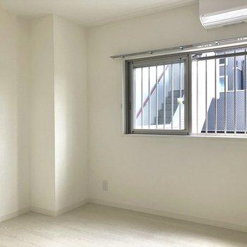 ここをリビングにしてもいいね。※写真は2階の同間取り別部屋のものです。