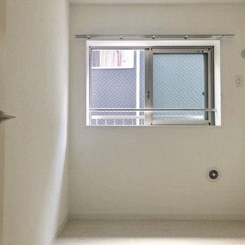 もう一部屋。※写真は2階の同間取り別部屋のものです。