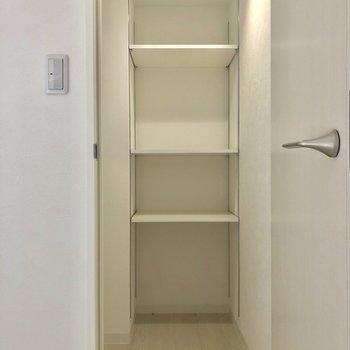 ウォークインクローゼットなんです!※写真は2階の同間取り別部屋のものです。