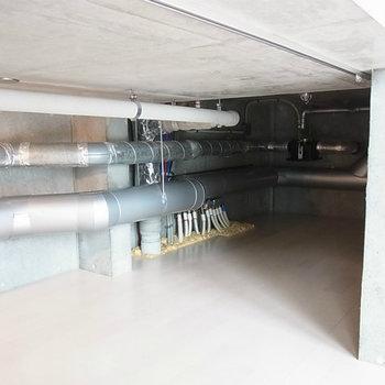 床下収納になっているのです(図面参照)※写真は4階の同間取り別部屋のものです