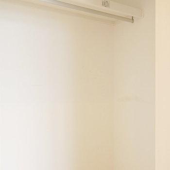 ハンガーパイプ付き※写真は別部屋、前回募集時のものです。