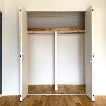 寝室】収納はガバッと大きく確保