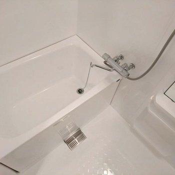 前回工事の際に、浴室塗装と水栓交換工事で新品みたいになってます! ※写真は別部屋同間取りです