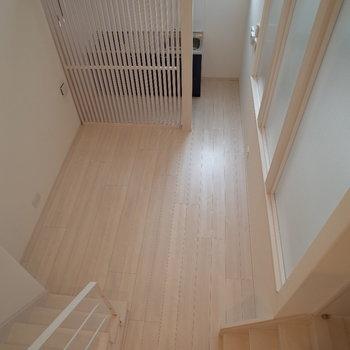 ロフトからの風景もステキ。※写真は1階の反転間取り別部屋のものです。