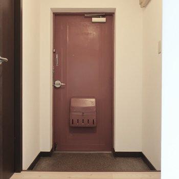 とってもゆったりな玄関!(※写真はモデルルームです)